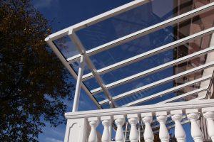 Aluminiumterrassendach Elegant-Line mit durchgehenden Glasscheiben